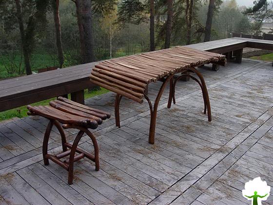 Садовый стол и табуретка